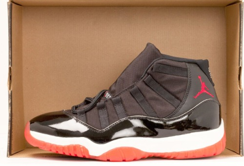 Air Jordan XI (11) Black/True Red