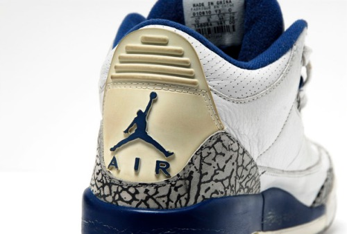 Air Jordan 3 Retro 2001 Edition