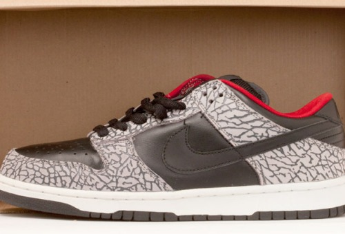 "Nike Dunk Low Pro SB ""Supreme"" Black/Cement Grey"