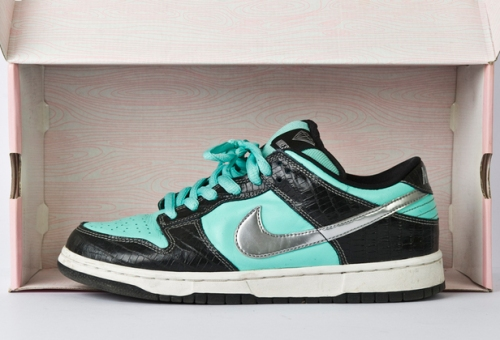 "Nike SB x Diamond Supply Co. Dunk Low ""Tiffany"""