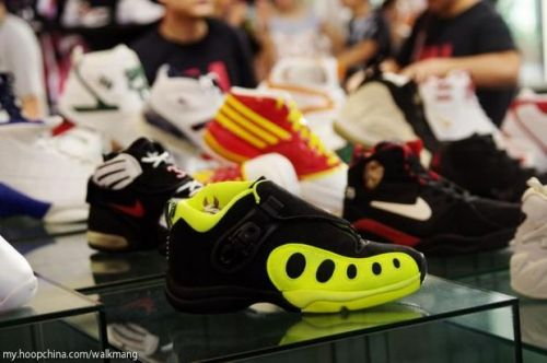 long 7 hoop china sneaker event 6