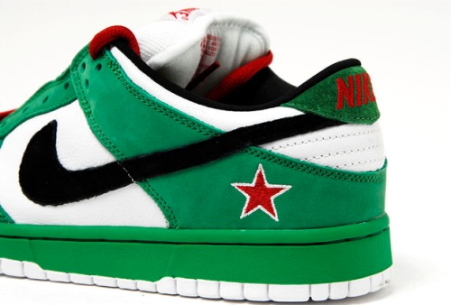 "reputable site e9e61 c3cc3 Sneaker Showcase: Dunk Low Pro SB ""Heineken""   Sneakerpedia"