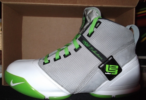 Nike LeBron V Dunkman uploaded by mrrightnow