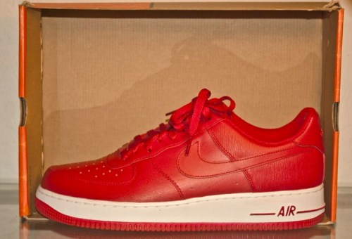 Nike Air Force 1 Valentine's Day 2011 uploaded by yrsoles