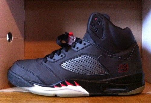 "Air Jordan 5 ""Toro Bravo"" Black uploaded by KCsaid"