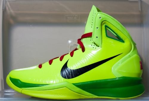 Nike Hyperdunk Christmas uploaded by Mayor
