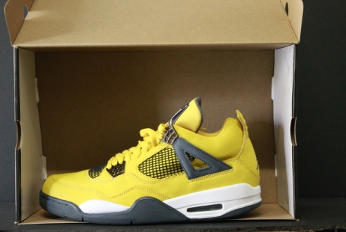 Air Jordan 4 Lightning uploaded by Evanga