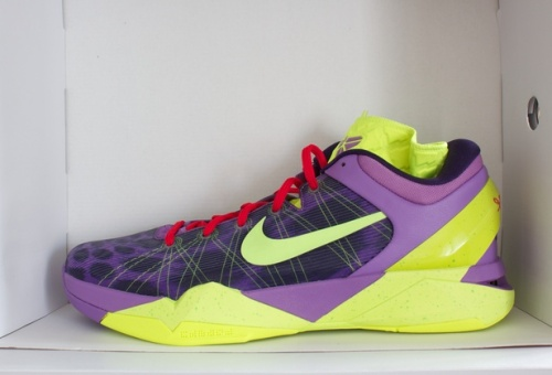 Nike Kobe VII Christmas uploaded by donthewatcher