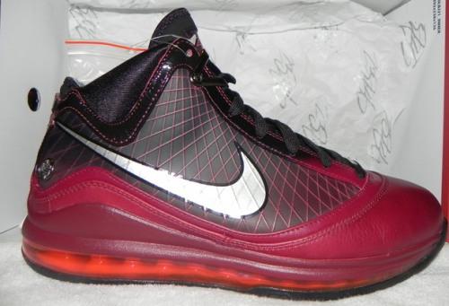 Nike LeBron 7 Christmas uploaded by ECamacho915
