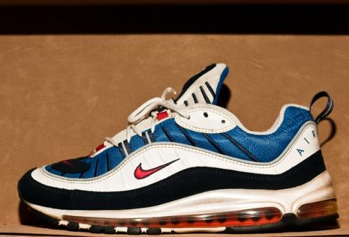 b0c21f4dc1 Sneaker History: Nike Air Max 98   Sneakerpedia