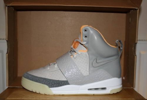 "Nike Air Yeezy ""Zen Grey"" uploaded by Elsey"