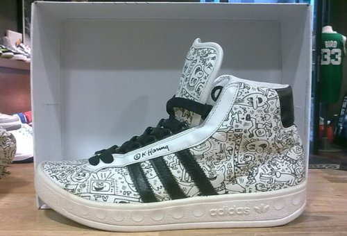 adidas Adicolor Hi BK2 Jeremy Scott For Keith Haring uploaded by Sneakers76