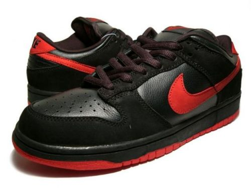 "Nike SB Dunk Low Black_True Red ""Vamps"""