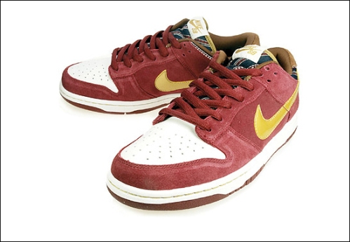"Nike SB Dunk Low ""Ron Burgundy"""