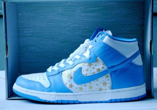 "Supreme x Nike SB Dunk High ""Blue"" uploaded by gearsolegoods"