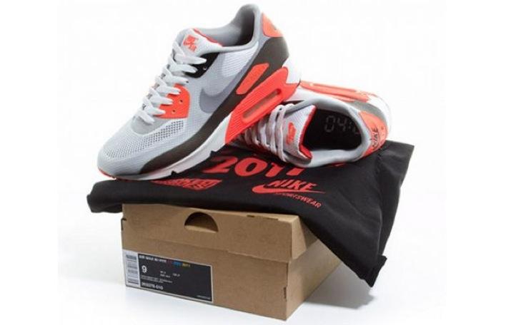 Sneaker Spotlight: Crooked Tongues x Nike Air Max 90
