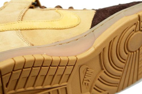 "Nike SB Dunk Mid ""Wheat"" Sole"