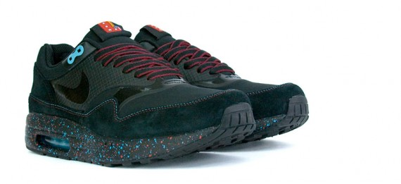 Own the Outdoors With Nike's Air Wild Hiking Boots Maxim