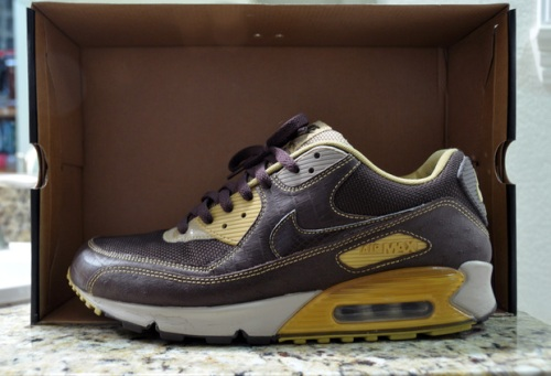 """save off 3fe70 908d3 Sneaker Spotlight: HUF x Nike Air Max 90 Deluxe """"Clerks ..."""